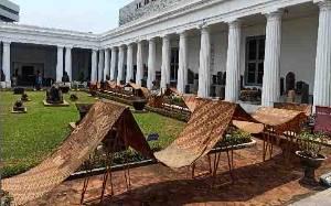 Batik Garuda Nusantara Sepanjang 74 Meter Dibentang di Museum Nasional