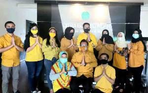 Semarakkan HUT ke 61 Kotawaringin Barat, Karyawan CBI Grup 'Kuningkan' Kantor