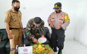 Polsek Bukit Batu dan Forkopimcam Gelar Syukuran di Mako Koramil Rayakan HUT TNI
