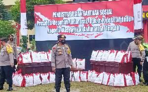 Polda Kalteng Distribusikan Bantuan Sosial dari Presiden Jokowi