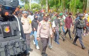 Kapolda Kalteng Pimpin Pengamanan Aksi Unjuk Rasa Mahasiswa di Gedung DPRD