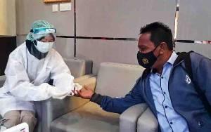 Wartawan Mendadak Jalani Rapid Test saat Meliput di Polda Kalteng