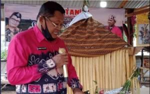 Budaya Adat Dayak di Gunung Sawaan Destinasi Wisata Tanah Bumbu