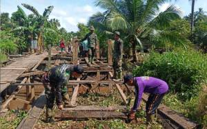Video Program TMMD Kodim 1015 Sampit Rehab Jembatan di Pulau Hanaut