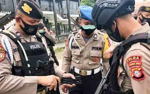 Provos Ditsamapta Polda Kalteng Cek Senpi Personel