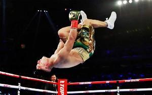 Lopez Taklukkan Lomachenko untuk Raih 4 Mahkota Ringan Super
