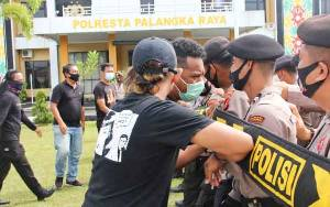 Polresta Palangka Raya Gelar Latihan Dalmas Tingkatkan Kemampuan