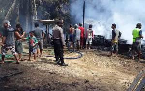 Dua Rumah, Satu Bangunan Walet dan Warung Sembako di Desa Dehes Katingan Ludes Terbakar