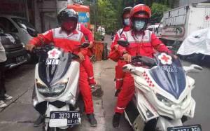 PMI DKI Siagakan 3 Ambulans Motor saat Demo UU Cipta Kerja