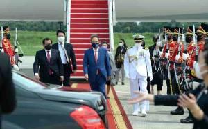 Presiden Jokowi Sambut Kedatangan PM Jepang di Istana Bogor