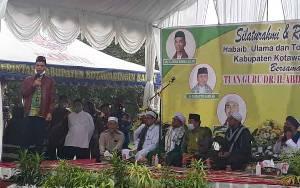 Ustadz Abdul Somad Bersilaturahmi Dengan Habaib, Ulama dan Tokoh Masyarakat di Kobar