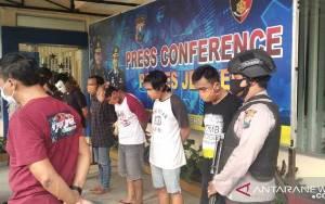 Polisi Tetapkan 5 Tersangka Perusakan Gedung DPRD Jember
