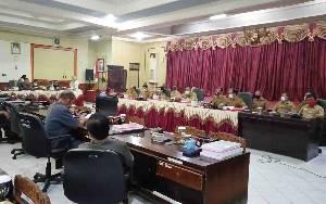 RDPU di DPRD Barito Timur Berlangsung dari Pagi hingga Malam, ini yang Dibahas
