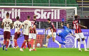 AC Milan Vs AS Roma 3-3, Stefano Pioli Tak Mau Komentari Soal Wasit
