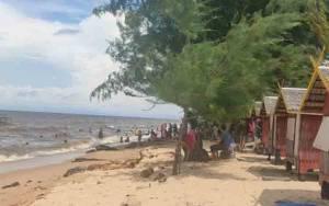 Antisipasi Lonjakan Wisatawan Saat Libur Panjang, Pos Penjagaan Dibangun di Pantai Ujung Pandaran