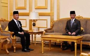 PM Muhyiddin Serahkan Ringkasan RABN 2021 ke Raja