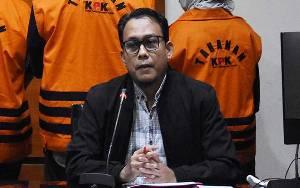 Dalami Pelarian, Istri Hiendra Soenjoto Diperiksa KPK