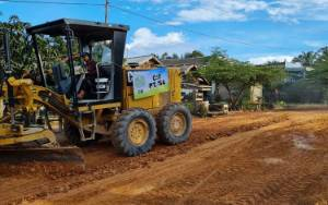 PT. Tanjung Sawit Abadi Bantu Infrastruktur Jalan di 5 Desa di Kecamatan Menthobi Raya Lamandau