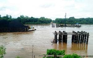 Tujuh Tiang Pancang Jembatan Tumpung Laung - Sikan Diganti, Pemasangannya Dirubah