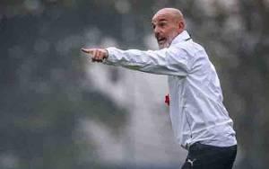 Menjelang AC Milan vs Celtic di Liga Europa, Stefano Pioli Pulih dari Covid-19