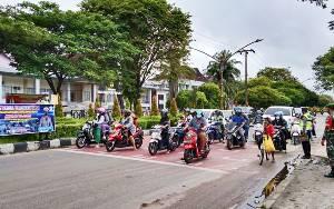 Satlantas Polresta Palangka Raya Bersama TNI Kompak Kampanyekan Budaya Tertib Lalu Lintas