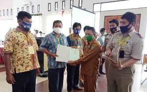 50 Warga Barito Timur Hadiri Penyerahan Sertifikat Tanah PTSL Secara Virtual oleh Presiden Jokowi