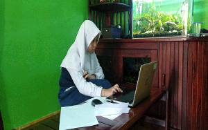 Tiga Pelajar MTsN 1 Kapuas Ikuti Kompetisi Sains Madrasah Online