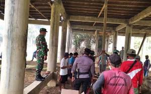 TNI - Polri Bersama Masyarakat di Kecamatan Seruyan Tengah Gelar Bakti Sosial