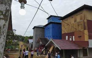 Aliran Listrik Masih Jadi Mimpi Warga Desa Tumbang Sepayang