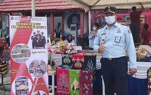 Rutan Tamiang Layang Tampilkan Batik Tulis di Prison Art Show