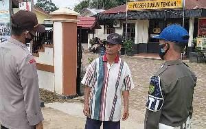 Polsek Dusun Tengah Beri Sanksi Sosial kepada Pelanggar Protokol Kesehatan
