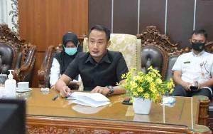 Wali Kota Palangka Raya Sampaikan Pandangan Terkait 3 Raperda Inisiatif DPRD
