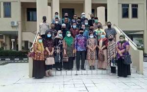 DPRD Hulu Sungai Utara Belajar Pengolahan Sampah Non Organik di Barito Selatan