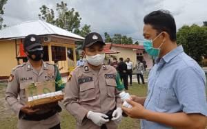 Personel Polres Sukamara Diberi Vitamin Jaga Kondisi Tubuh