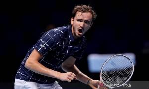 Medvedev Tekuk Nadal untuk Hadapi Thiem di Partai Puncak ATP Finals