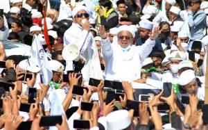 Habib Rizieq Shihab Segera Jalani Tes Usap Covid-19 Mandiri