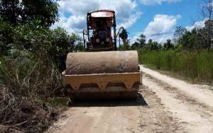 CBI Group Bantu Perbaikan Jalan Penghubung Desa Rangda - Dusun Tonam