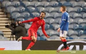 Rangers Kembali Buang Keunggulan 2 Gol dan Diimbangi Benfica