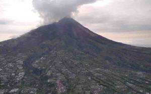 BPBD DIY Temukan Banyak Longsoran Baru di Puncak Gunung Merapi