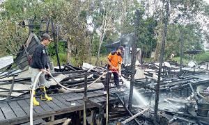 Dua Rumah Warga di Desa Saka Tamiang Kapuas Ludes Terbakar