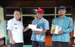 8 Anggota DPRD Kalteng Dapil 1 Iuran Bantu Korban Banjir di Kecamatan Pulau Malan