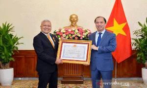 "Dubes RI Terima Anugerah ""Friendship Order"" dari Presiden Vietnam"