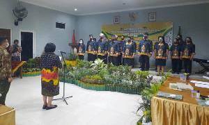 Wabup Kukuhkan Pengurus LPT-IK Kabupaten Gunung Mas 2020-2025