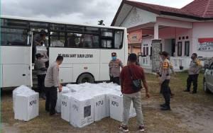 Polisi Kawal Ketat Pergeseran Surat Suara ke KPU Seruyan