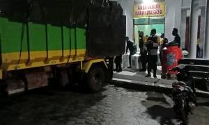 Personel Gabungan di Kobar Lakukan Pengamanan Pergeseran Logistik dari PPK ke KPU
