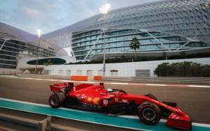 Vettel Pamit dari Ferrari dengan Lagu dan Trofi