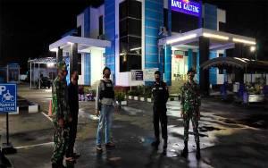 Personel Gabungan Kompak Lakukan Patroli Malam di Kuala Pembuang