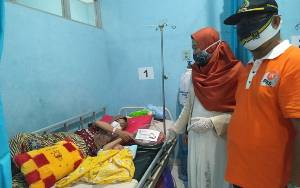 Momen Hari Ibu, Legislator Kapuas dari PKS Beri Bingkisan Untuk Ibu Melahirkan di RSUD