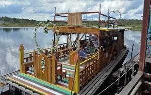 Bupati Barito Selatan Sebut Kapal Susur Sungai di Danau Sanggu Sebagai Daya Tarik Wisata