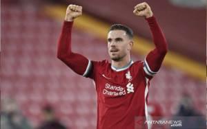 Henderson Ungkapkan Dirinya Nyaris Dijual Liverpool ke Fulham
